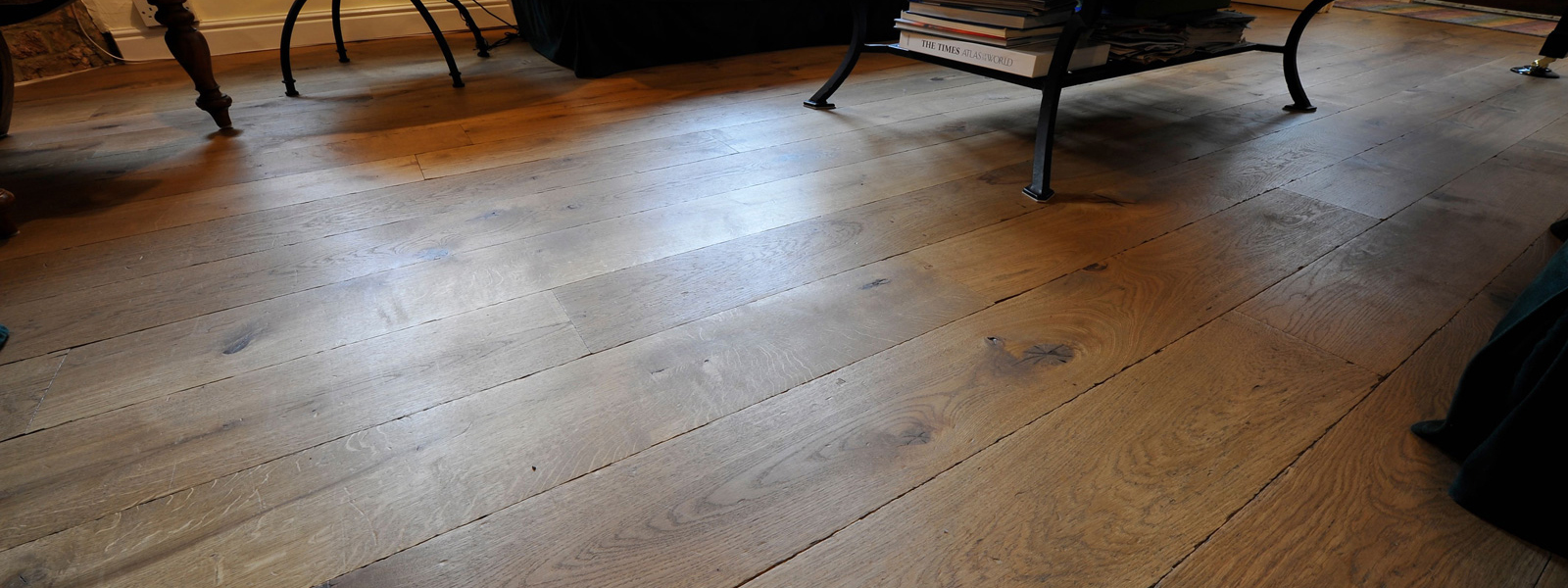 Reclaimed-floor-1-1600×600